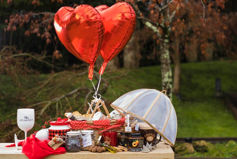 Celebra el Día de San Valentín en casa con Grupo Montesqueiro